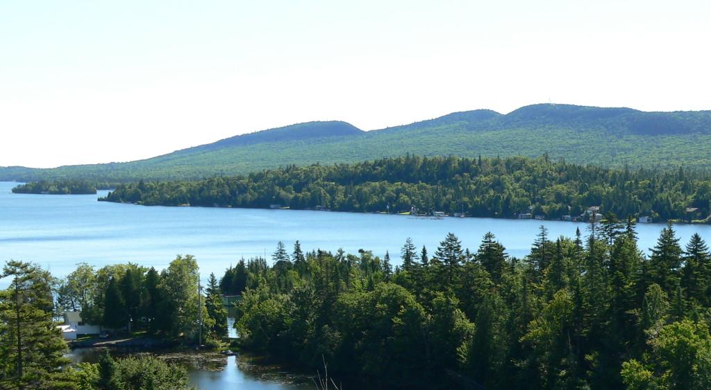 Nous voyons les 3 montagnes représentant les 3 saumons!